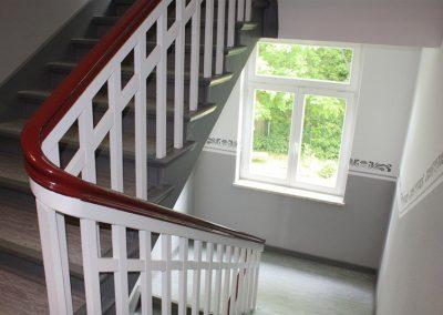 kreative-maltechniken-wandgestaltung-borduere-treppenhaus-1